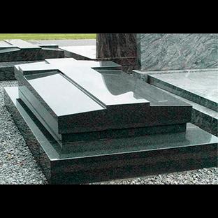 Надгробные плиты title=